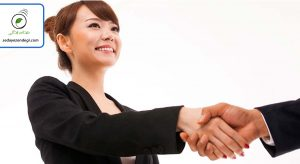 رعایت آداب معاشرت در برخورد اول، تاثیر خوبی روی ذهنیت افراد از شما میگذارد.